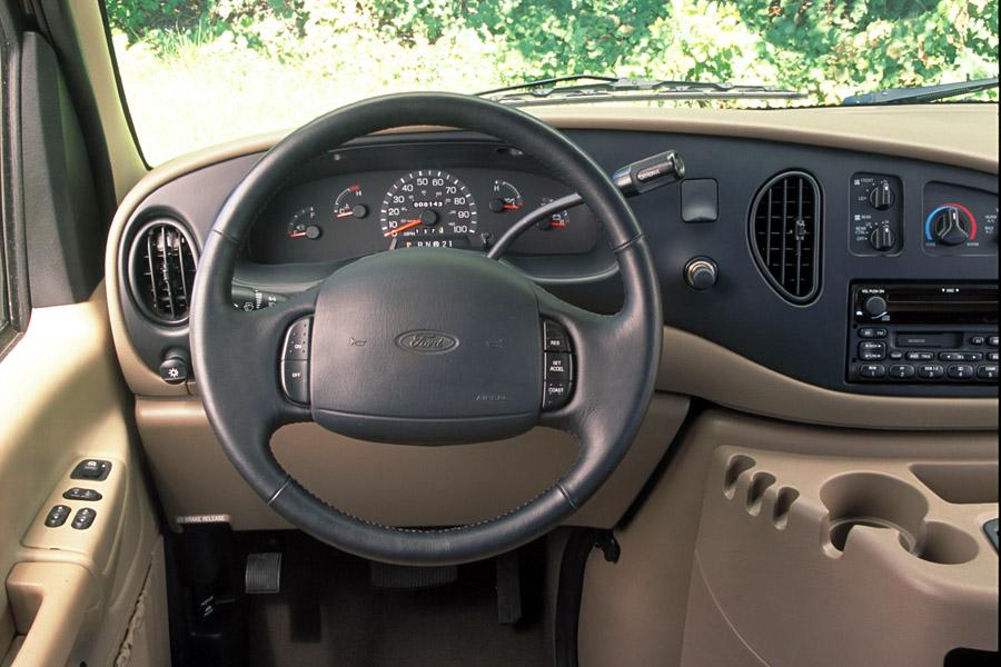 2002 Ford E150 Photo 6 of 7