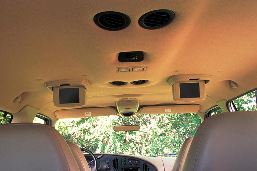 2002 Ford E150 Photo 4 of 7