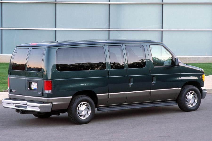 2002 Ford E150 Photo 3 of 7