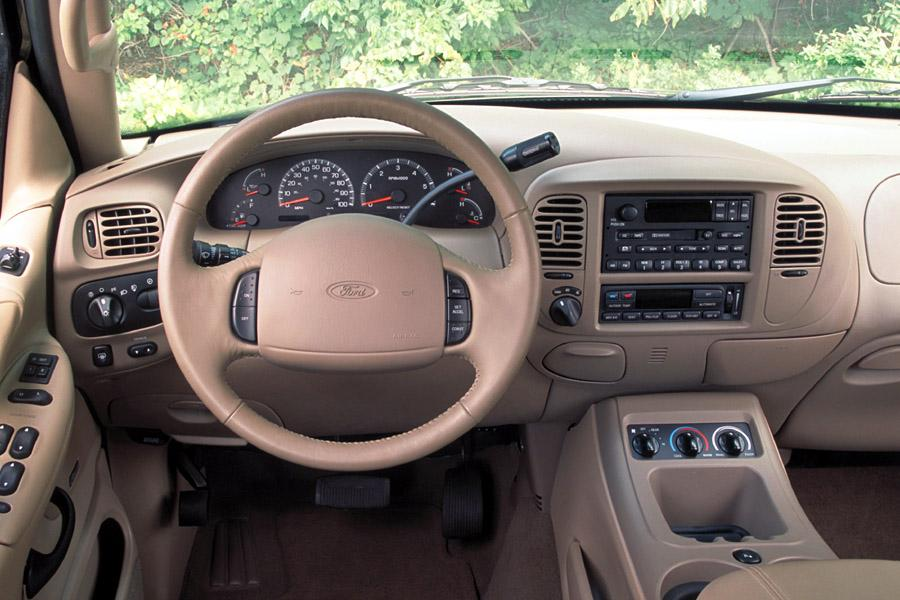 2002 Ford Expedition Photo 3 of 5