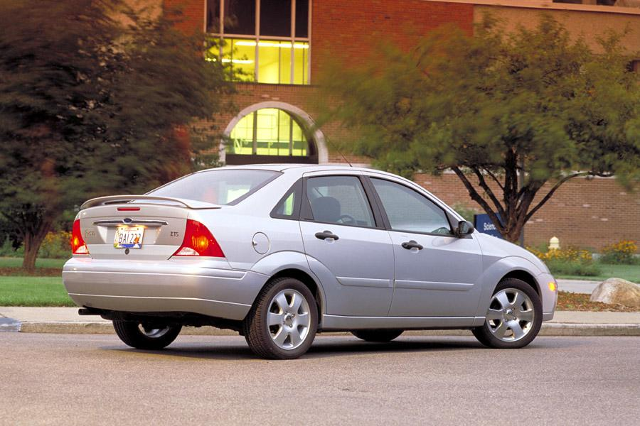 2002 Ford Focus Photo 1 of 20