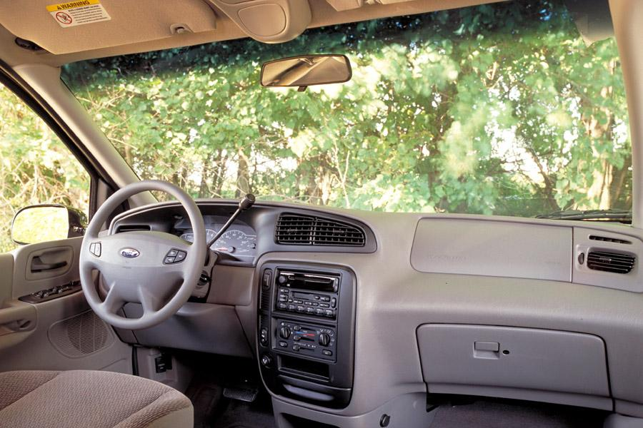 2002 Ford Windstar Photo 2 of 3