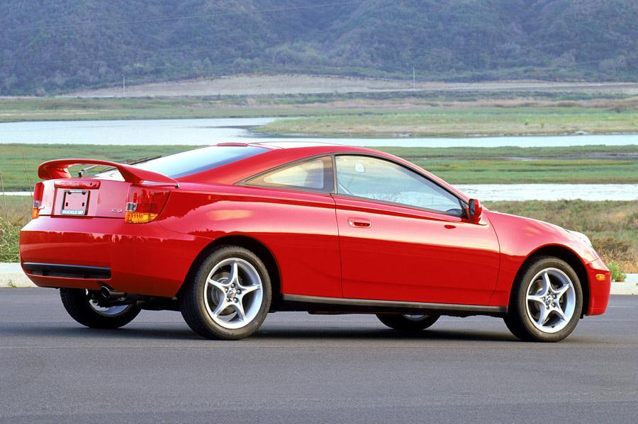 2002 Toyota Celica Photo 2 of 5