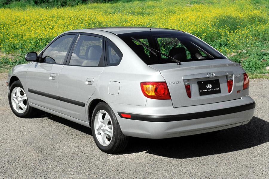 2002 Hyundai Elantra Photo 2 of 8