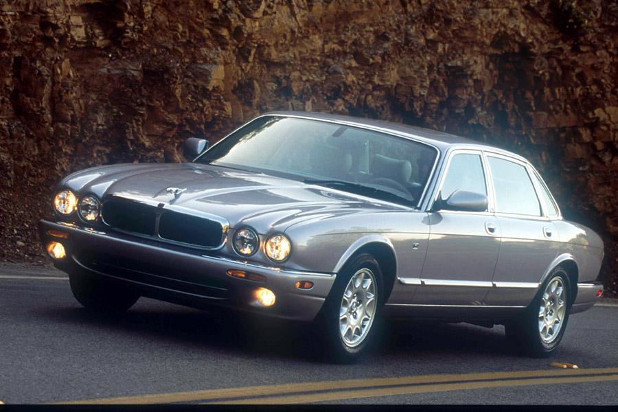 2002 Jaguar XJ8 Photo 3 of 3