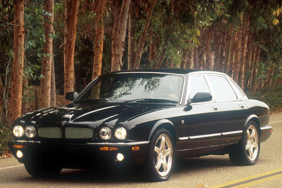 2002 Jaguar XJR Photo 1 of 4