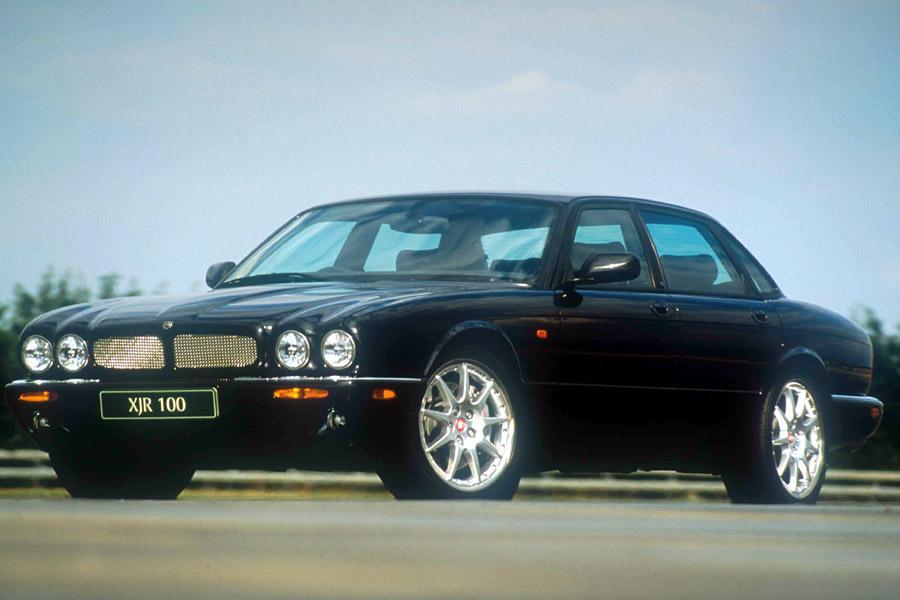 2002 Jaguar XJR Photo 2 of 4