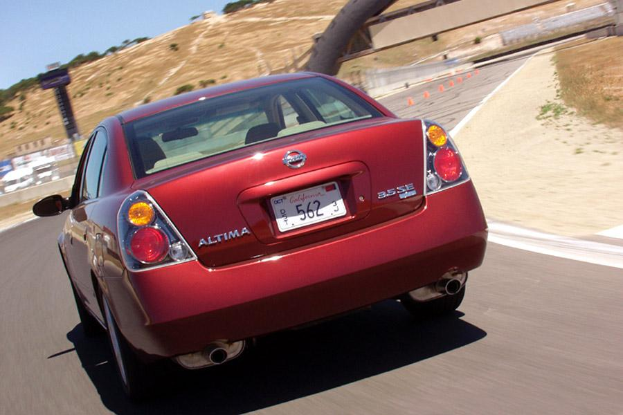 2002 Nissan Altima Photo 3 of 12
