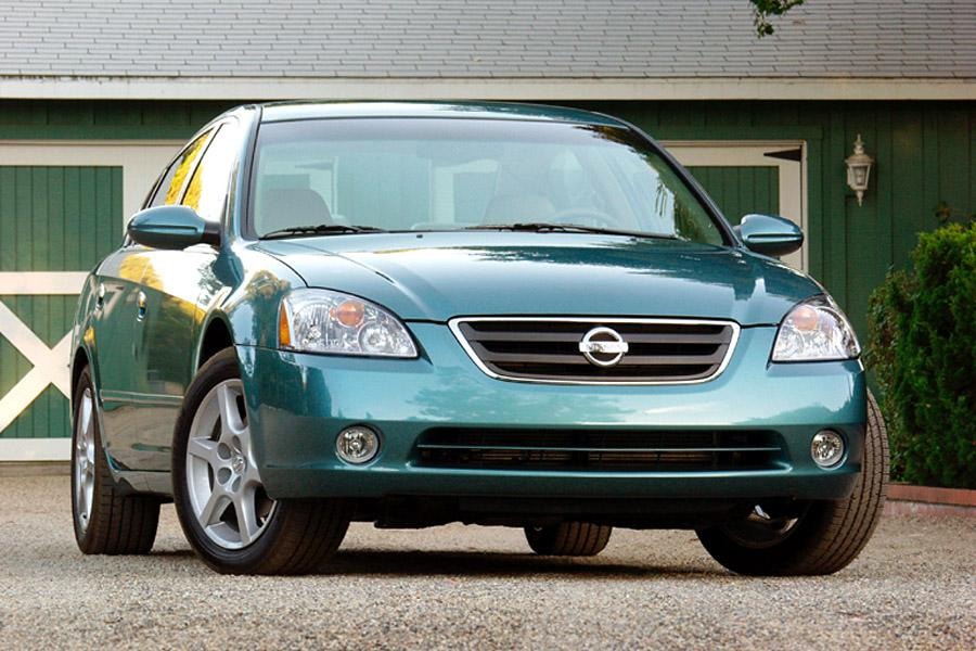 2002 Nissan Altima Overview  Carscom