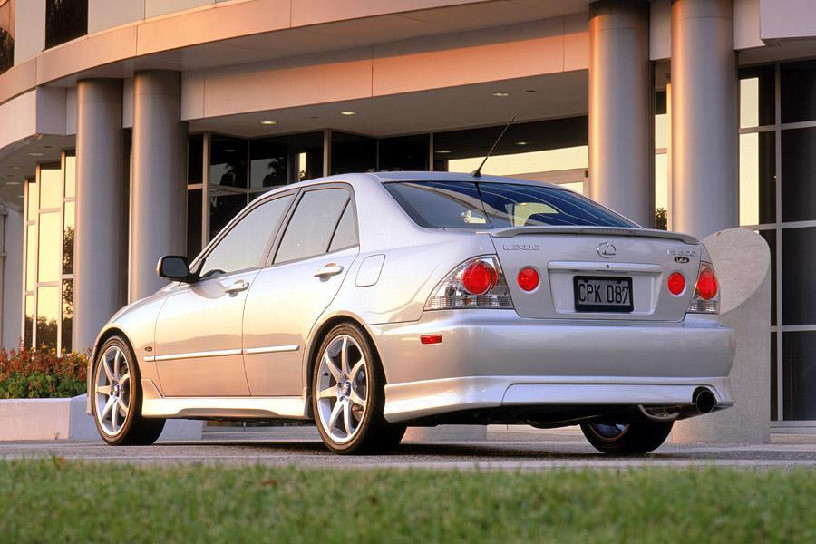 2002 Lexus IS 300 Photo 1 of 8