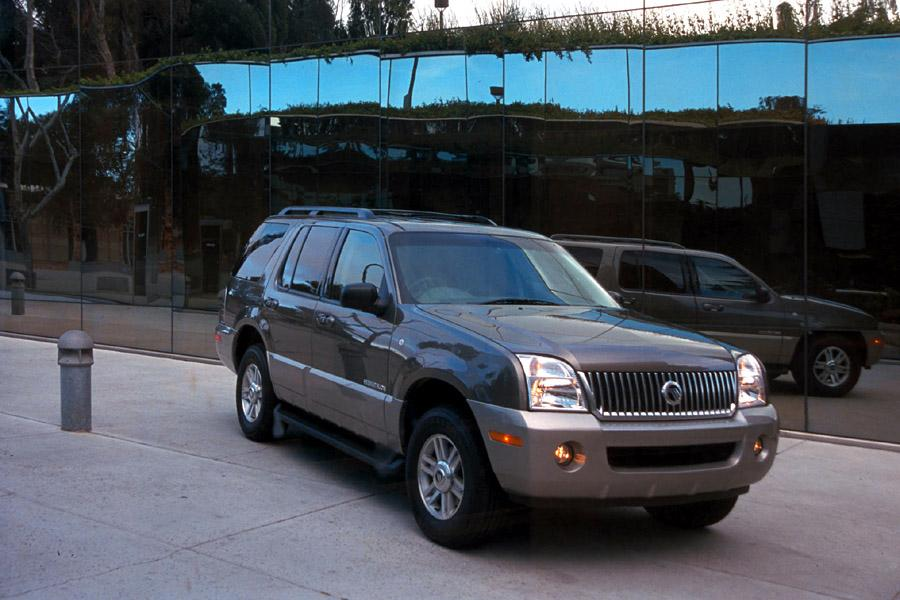 2002 Mercury Mountaineer Photo 2 of 17