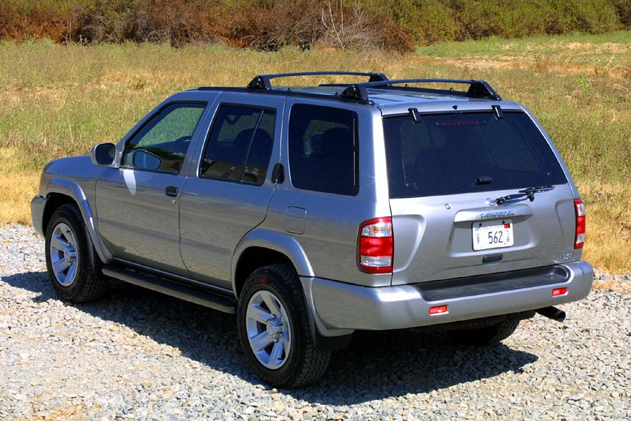 2002 Nissan Pathfinder Photo 2 of 11