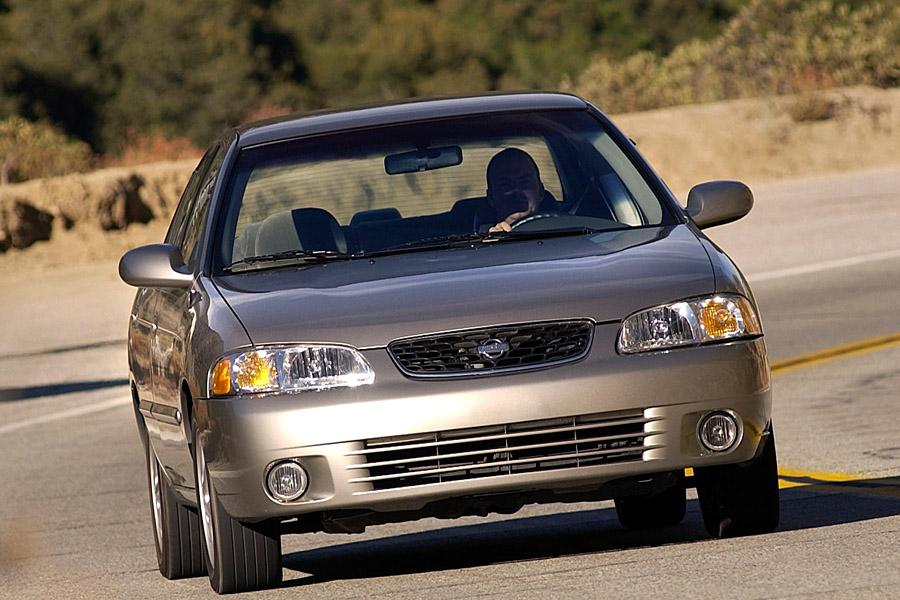 2002 Nissan Sentra Photo 1 of 8