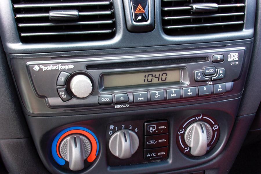 2002 Nissan Sentra Photo 6 of 8