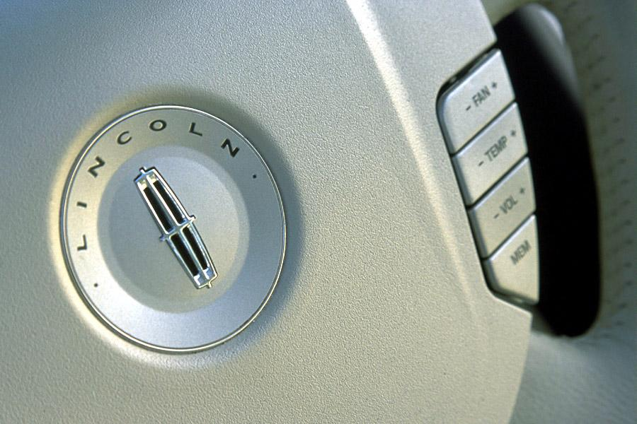 2003 Lincoln Navigator Photo 6 of 9
