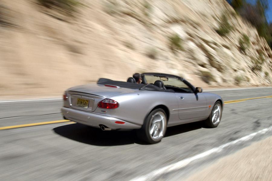 2003 Jaguar XKR Photo 2 of 6