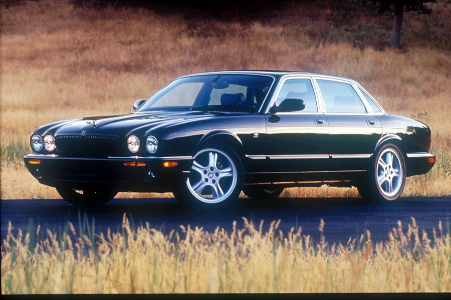 2002 Jaguar XJ8 Photo 1 of 3