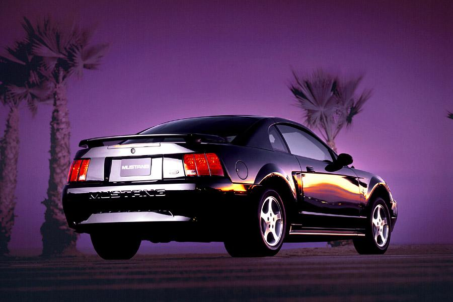 2002 Ford Mustang Photo 2 of 4