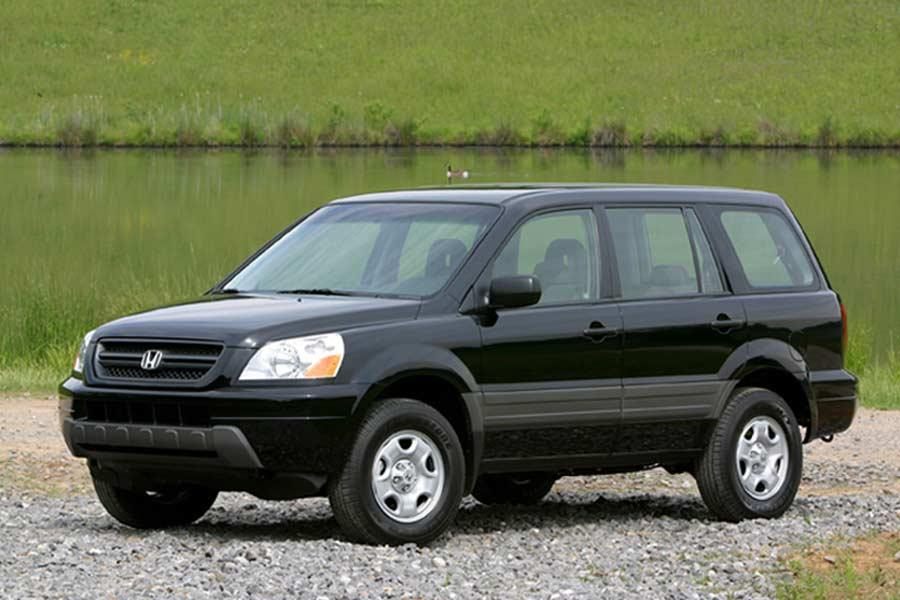 Honda Pilot Dimensions >> 2004 Honda Pilot Specs, Pictures, Trims, Colors || Cars.com