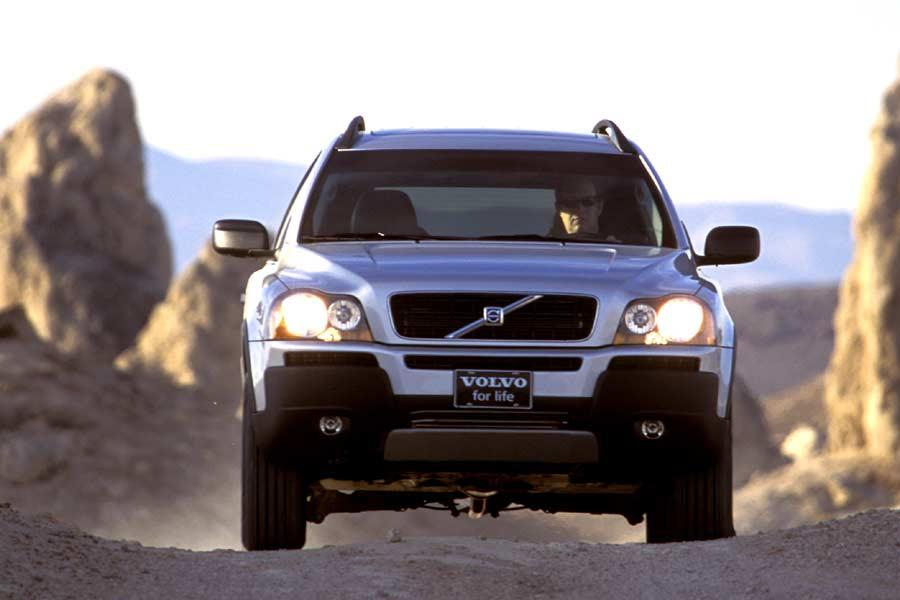 2004 Volvo XC90 Photo 2 of 9