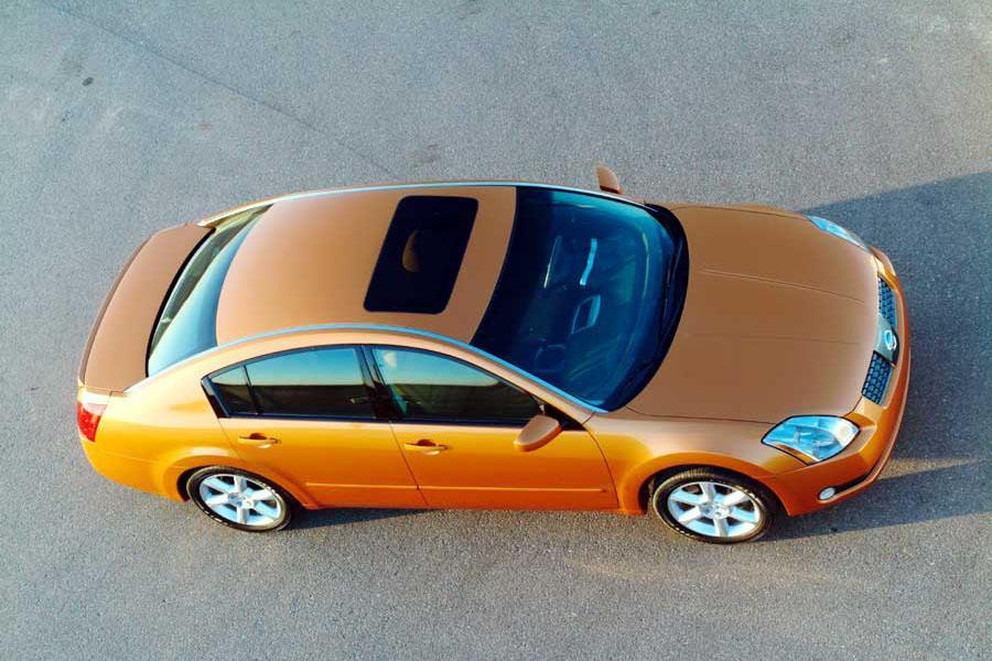 2004 Nissan Maxima Photo 2 of 10