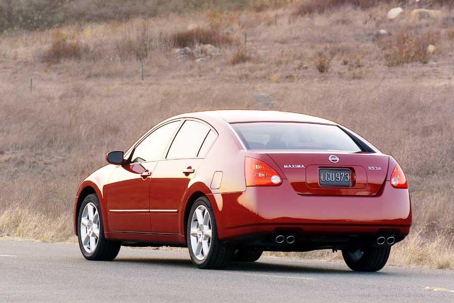 2004 Nissan Maxima Photo 3 of 10