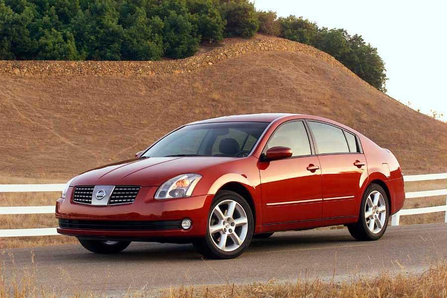 2004 Nissan Maxima Photo 1 of 10