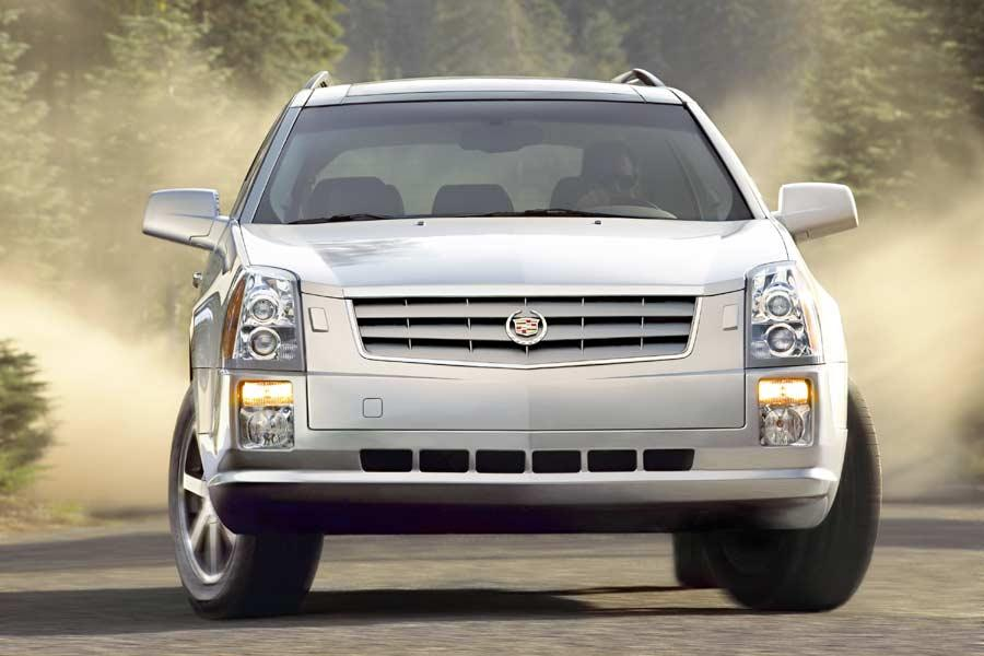 2004 Cadillac SRX Photo 1 of 10