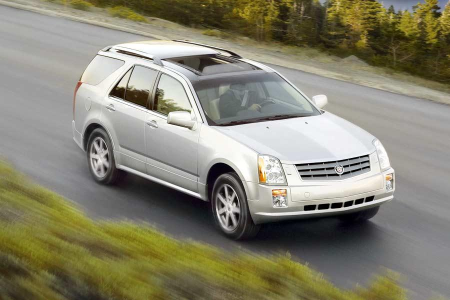 2004 Cadillac SRX Photo 2 of 10