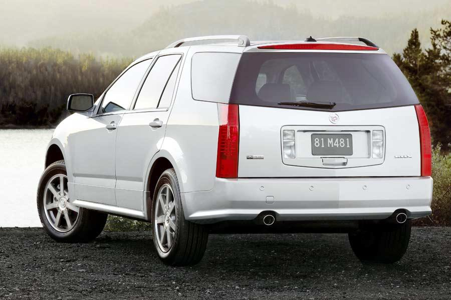 2004 Cadillac SRX Photo 3 of 10