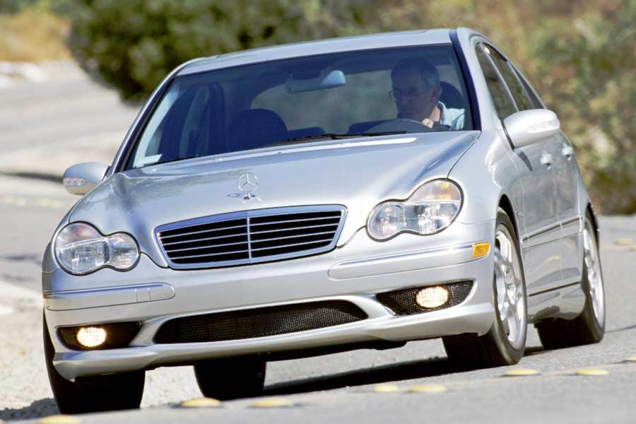 2004 Mercedes-Benz C-Class Photo 2 of 10