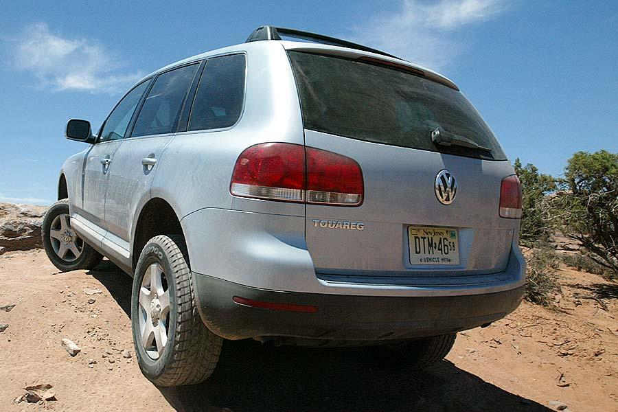 2004 Volkswagen Touareg Photo 4 of 11