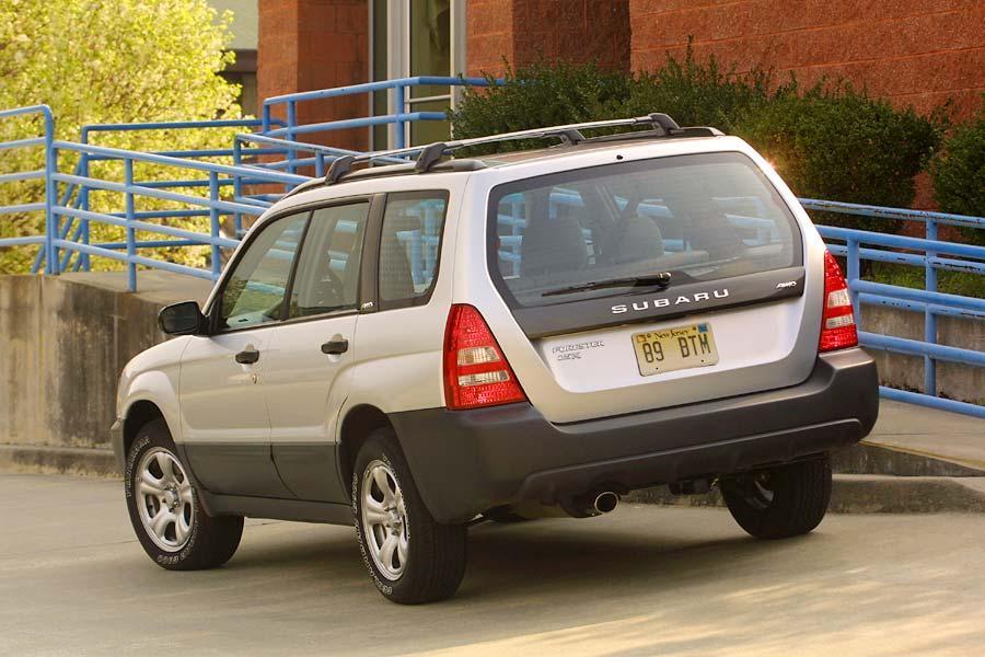 2004 Subaru Forester Photo 2 of 10