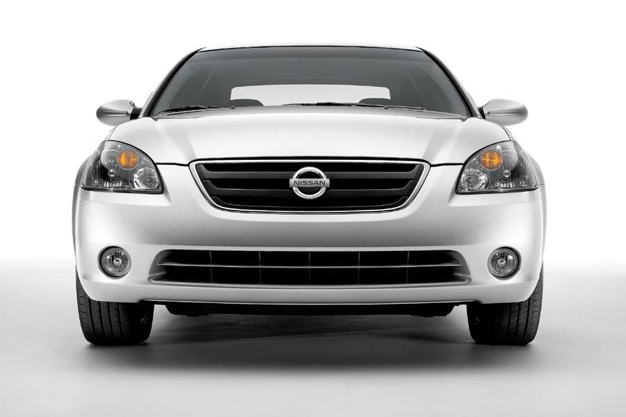 2004 Nissan Altima Photo 4 of 9