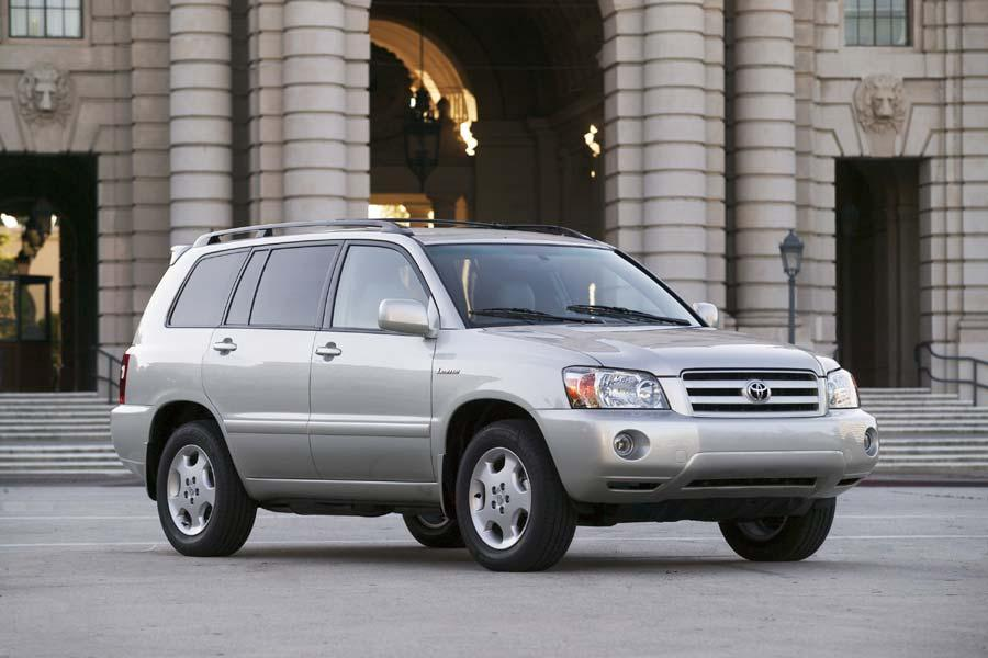 2004 Toyota Highlander Photo 1 of 9