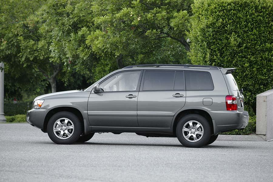 2004 Toyota Highlander Photo 2 of 9