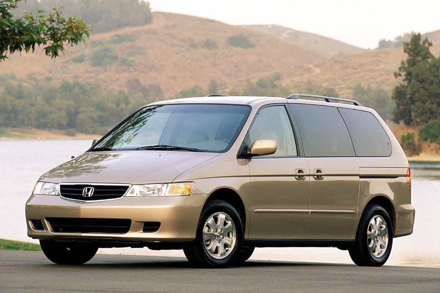 2004 Honda Odyssey Photo 2 of 10