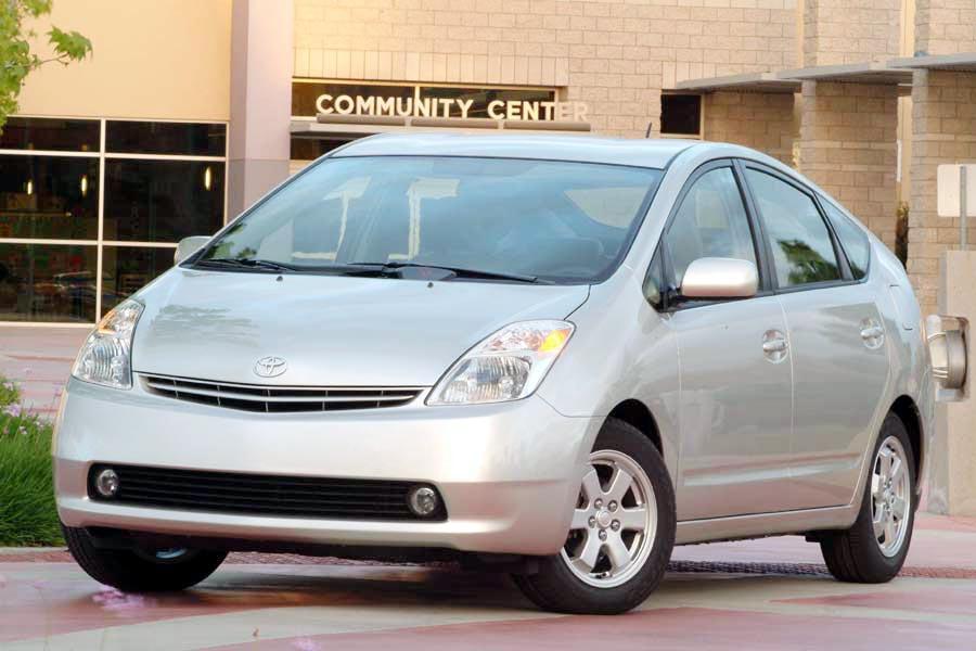 2004 Toyota Prius Photo 1 of 10
