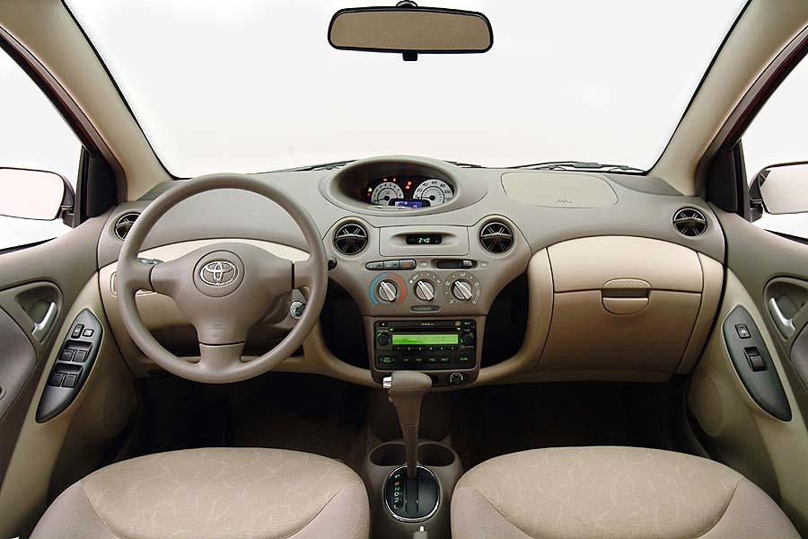 2004 Toyota ECHO Photo 6 of 6