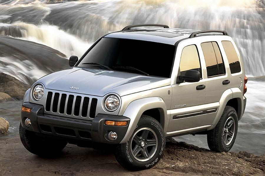 2004 Jeep Liberty Photo 2 of 4
