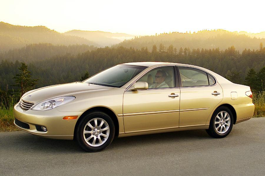 2004 Lexus ES 330 Overview