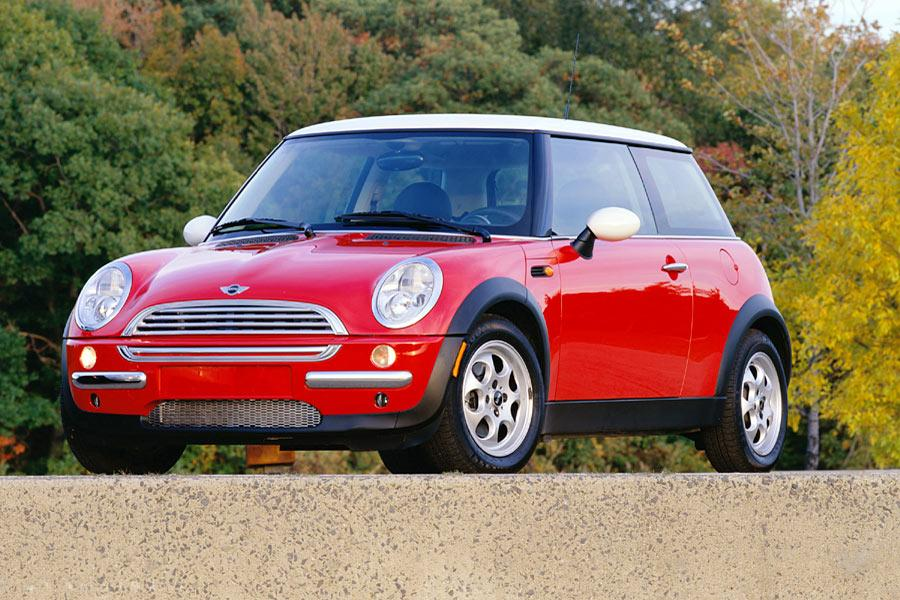 2004 mini cooper overview. Black Bedroom Furniture Sets. Home Design Ideas