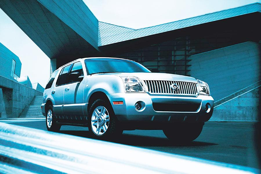 2004 Mercury Mountaineer Photo 1 of 5