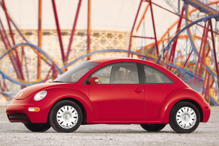 2004 Volkswagen New Beetle Photo 1 of 11