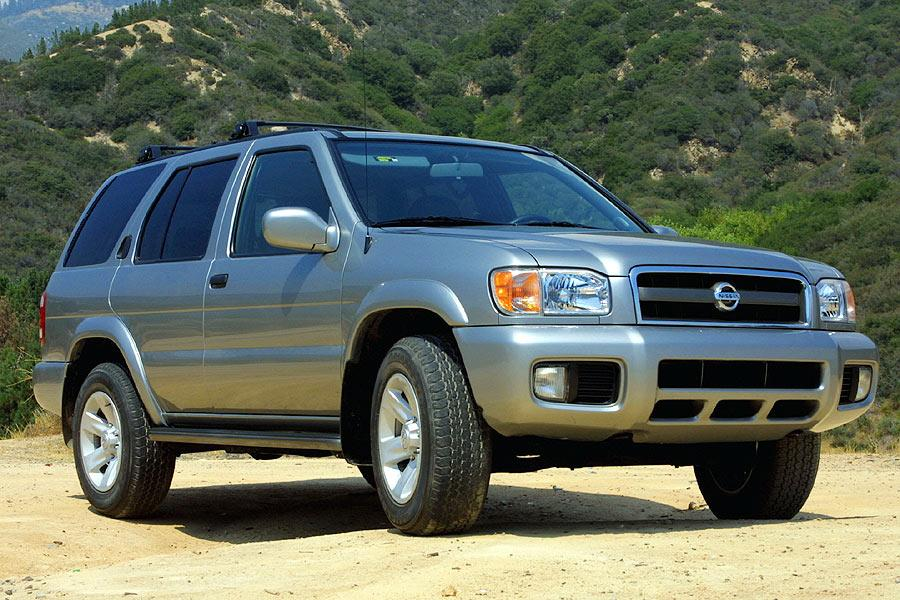 2004 Nissan Pathfinder Overview