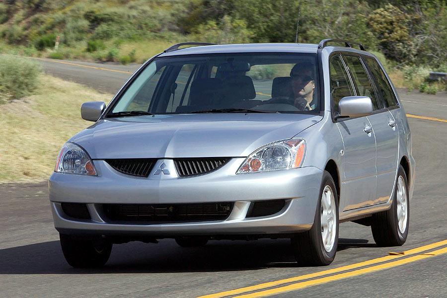 2004 Mitsubishi Lancer Sportback Photo 1 of 11
