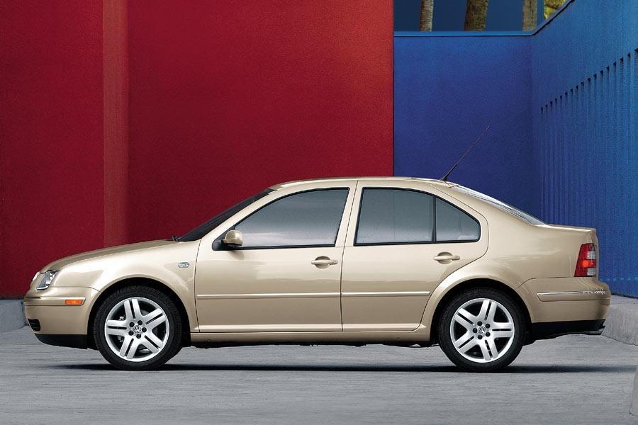 2004 Volkswagen Jetta Photo 2 of 13