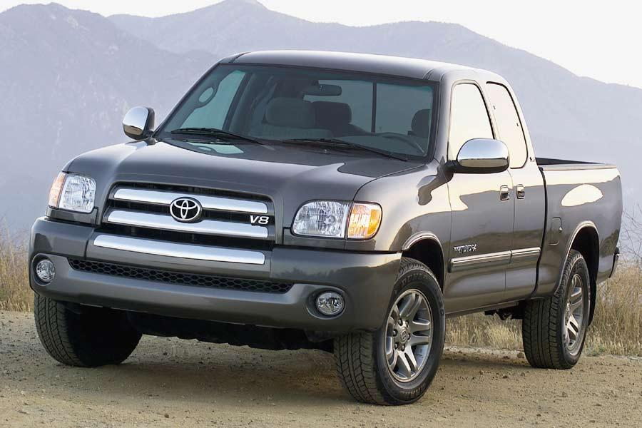 2004 Toyota Tundra Photo 2 of 16