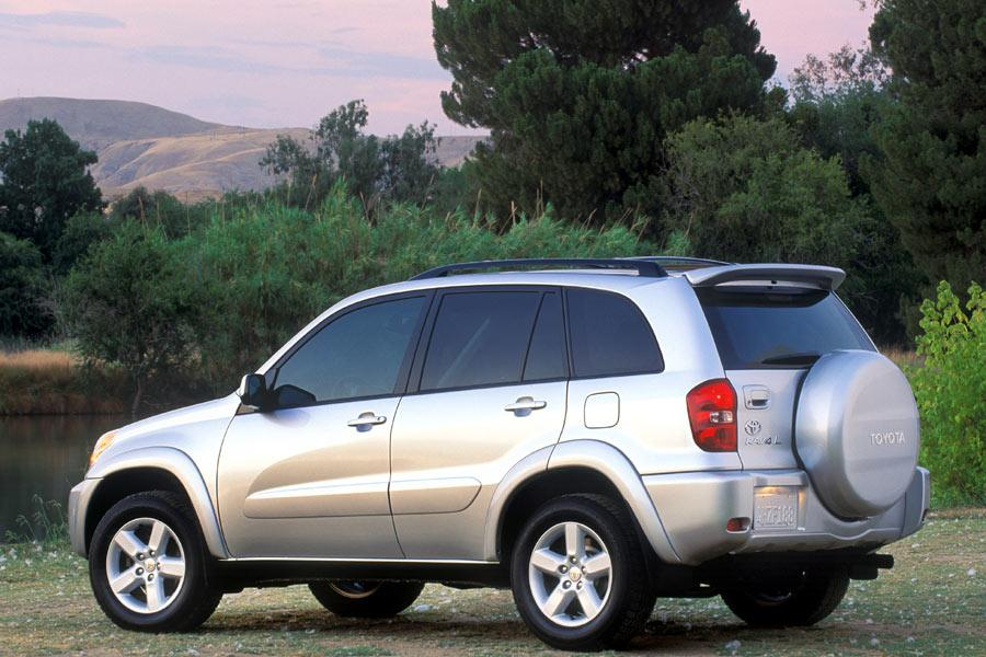2004 Toyota RAV4 Photo 3 of 8