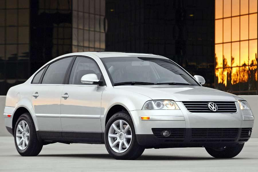 2004 Volkswagen Passat Photo 1 of 7